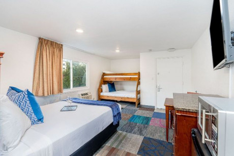 The Pacific - Guestroom
